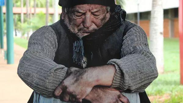 o frio vem acompanhado do sofrimento de milhares de pessoas, em condições precárias de sobrevivência
